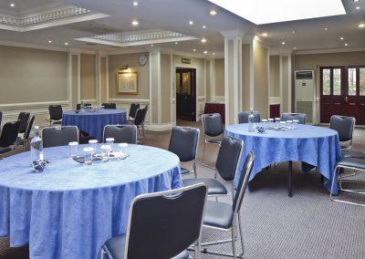Grange Fitzrovia - Round Tables